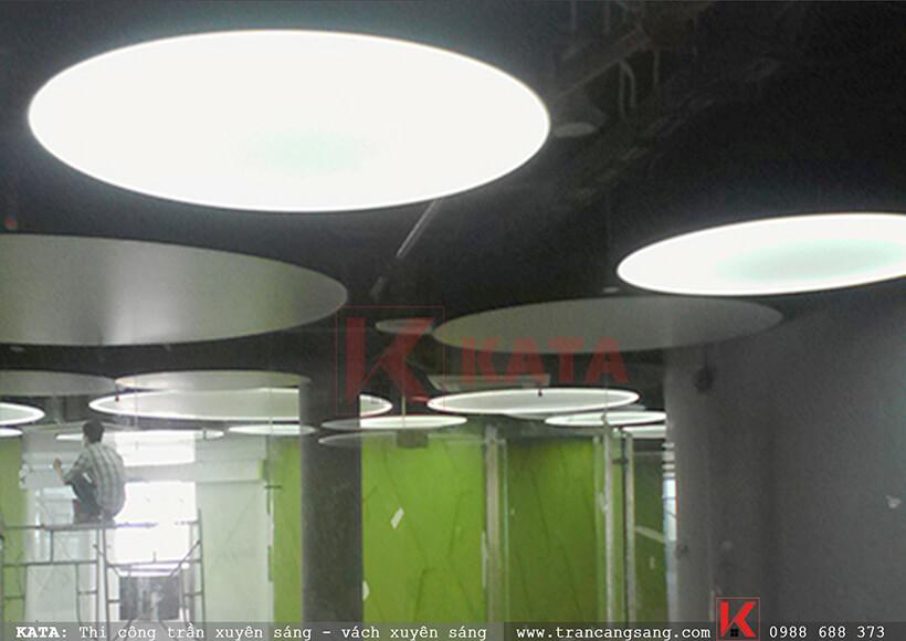 Thi công hộp đèn xuyên sáng đặc biệt