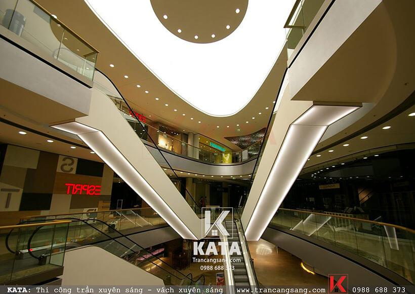 trần xuyên sáng trung tâm thương mại